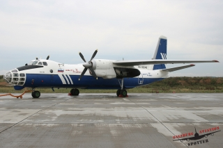 Polet Airlines   RA-30048