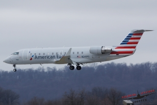 American Eagle (PSA Airlines) | N241PS