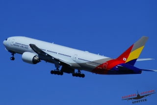 Asiana Airlines | HL7742
